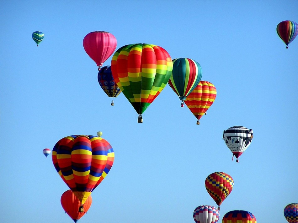 020916304710hot-air-balloons-439331-1280.jpg